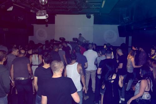 techno crowd 3